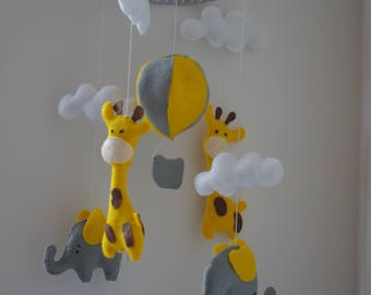 SALE! Baby mobile elephant and giraffe Nursery mobile Safari nursery Yellow Grey nursery Felt mobile Baby mobile neutral Baby gift