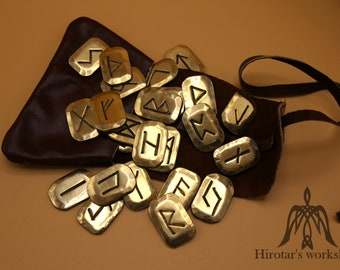 Futhark rune set with leather pouch