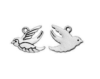 Silver swallow (D29) flying bird charm