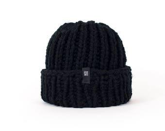 Chunky Black Beanie Hat, Black Winter Hat, Women's Winter Hat, Hand Knitted Beanie in Black, Ski Hat