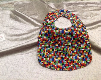 Multi geo-print baby bib with small button