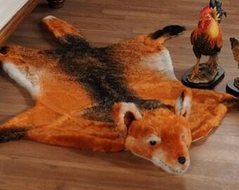 Fake Faux Fur Man Made Fox Skin RUG LARGE NWT 67.7x58.3 Inches Animal
