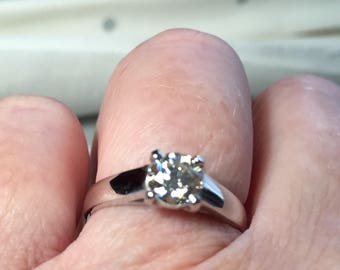 Beautiful Diamond solitaire ring