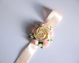 Peach ivory beige flower wrist corsage for bridesmaid Mothers corsage Flower girl corsage Fabric wrist corsage Rustic wedding wrist band