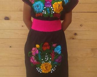 Mexican, Vintage Mexicano.Bordado unique dress. FLOWERED large size