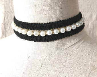 Pearl choker necklace, faux pearl chained choker necklace, Runway style statement necklace