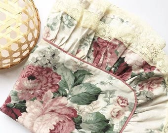 Pair of beautiful vintage pillowcases
