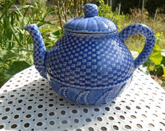 Teapot in the 60's - great vintage teapot - Portuguese Faience earthenware