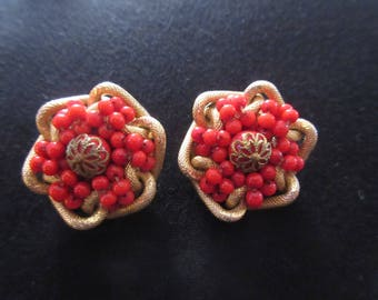 Vintage French Valentine Red Glass Cluster Earrings Set in Gold Tone