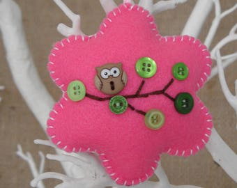 Hanging felt flower with owl - bright pink