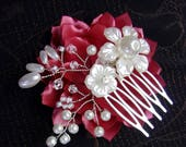 Silver Wedding Headpiece/Bridal white and silver Hair Comb/Wedding Hairpiece with pearl beads, Swarovski cristals and white flowers