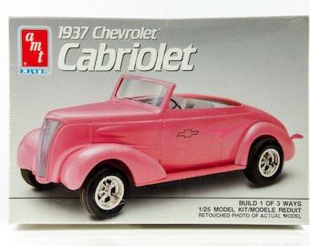 Factory Sealed Vintage AMT 1937 Chevrolet Cabriolet 1/25 Model Car 6744