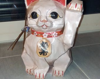 Chinese cat brings good luck - clear
