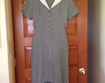 1960s Vintage Hounds Tooth A-Line House Dress~~Handmade (?), Vintage