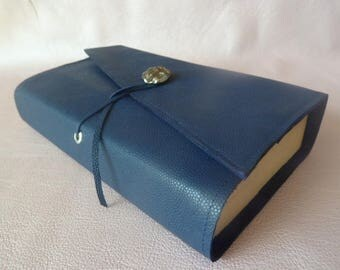Height 18 cm book, book adaptable leather grained Navy Blue caviar, closure strap and room decoration