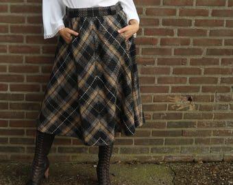 SALE! warm checkered skirt, vintage skirt