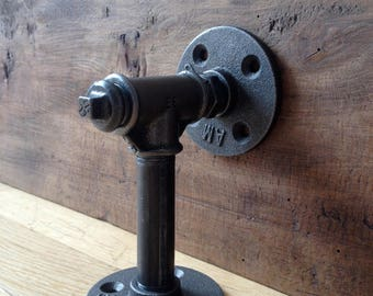 Industrial wall mount
