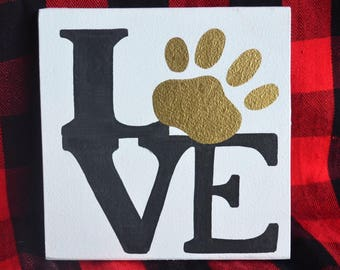 Love dog paw sign