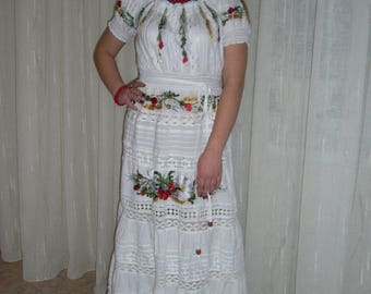 "Embroidered Batiste Dress ""flowers in an openwork"""
