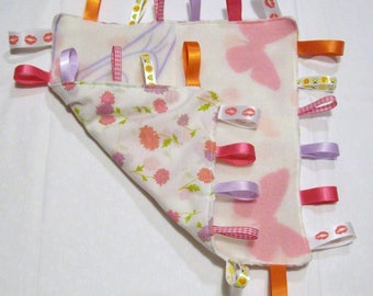 Soft fleece and cotton fabric baby taggy blanket