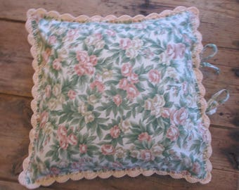 Romantic Cushion Cover - Cottage Pillow - Rose Pillow - Farmhouse style Pillow.