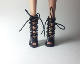 Black booties for FR2 with eyelets