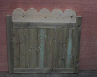 Scalloped Top Garden Gate (3Ft)