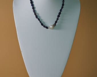 Cute Bead and Pearl Necklace
