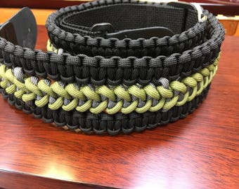 Paracord guitar strap adjustable length