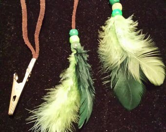 Green feathered roach clip or hair accessory