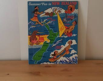 Summer Fun in NEW ZEALAND Jigsaw Puzzle Vintage / 30 Pieces Map of NZ, Maori Kiwi Bird - Derek Souvenirs Ltd  Frame Tray Jig Saw