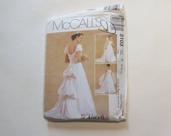 McCall's Alicyn Exclusives Series Pattern #3103: 90s Bridal Dress, size B (8-10-12)