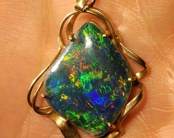 Gorgeous Australian opal 9ct gold vintage pendant