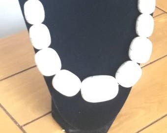 White chunky statement necklace