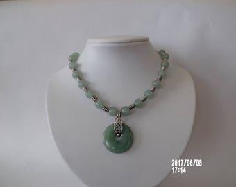 Gorgous necklace light green aventurine gemstone with pendant