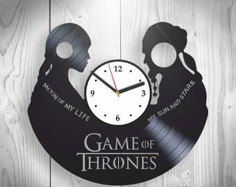 Daenerys Targaryen Game of Thrones Vinyl Clock Wall Decor Khaleesi And Khal Drogo Gift Idea For Fans Of Pop Movie Home Decor Handmade Modern