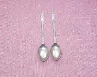 EPNS,  two silver tea/dessert spoons/Cutlery/Vintage/British