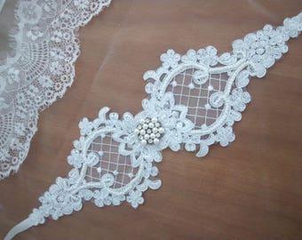 White Lace Bridal Belt, White Lace Bridal Sash, Lace Wedding sash, Lace Wedding Belt, Lace Sash, White Bridal Sash, White Lace Sash