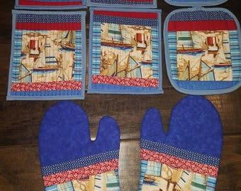Sailing Kitchen Set: 4 mug rugs, 2 oven mitts and 2 potholders