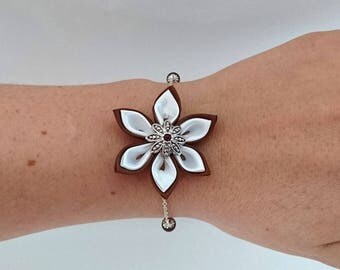 Chocolate and white kanzashi flower chain bracelet.