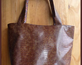 Large tote in Brown faux leather alligo