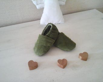 Baby booties in khaki Green Velvet quilted with green and white gingham lining