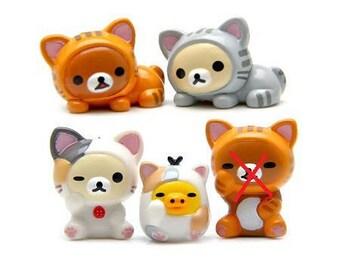 4 beautiful mini figurines cats plastic 25mm approx.