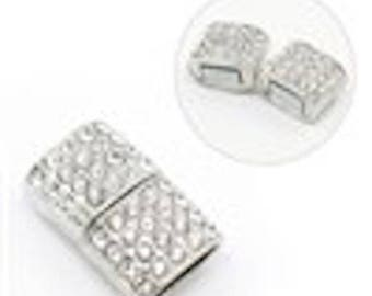 Rhinestone magnetic clasp
