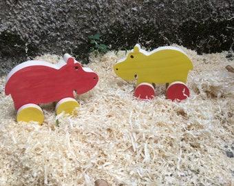 Toy rolling hippopotamus wooden roulette