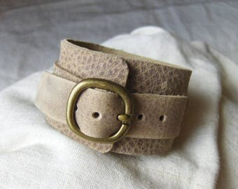 Handmade natural leather loop bracelet