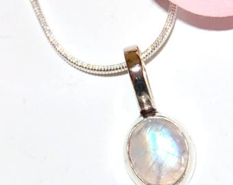 Oval Moonstone and Silver 925 pendant