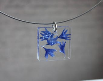 Choker + square pendant 2.5 cm in resin and inclusion of blueberries