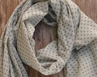 Scarf/shawl / scarf woman light grey and dark grey Butterfly