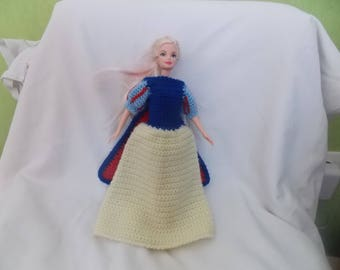 a pretty dress of white snow for barbie